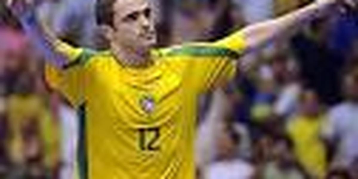 Falcão desequilibra contra a Argentina e leva o Brasil as quarta de final.  Assista os gols. f73b8f4ea96b4