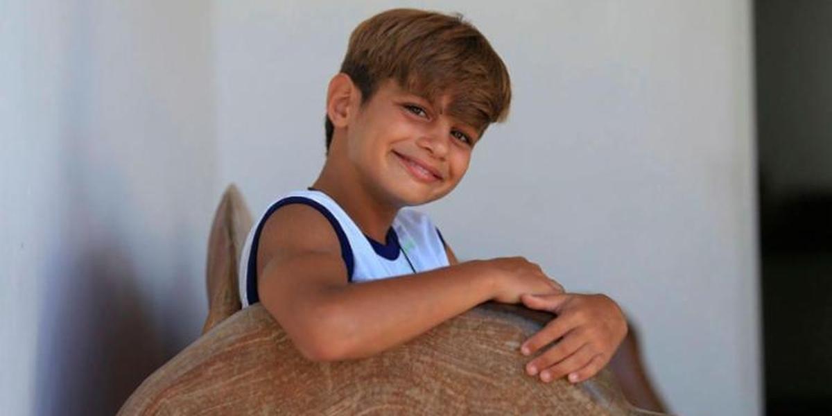 Garoto de 9 anos convence os pais a doarem sítio para projet