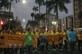 Durante a passeata, emocionantes louvores foram entoados com fervor pelos participantes. (Foto: Guiame/ Marcos Paulo Corrêa)