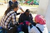 Os evangelistas oraram por doenças, dores e as pessoas receberam a cura instantaneamente. (Foto: Reprodução).