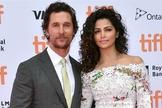 Matthew McConaughey (direita) ao lado de sua esposa, Camila Alves. (Foto: Today.com)
