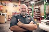 O pastor Chris Williams criou a Garagem de Deus há seis anos, no Texas. (Foto: Tim Barosh)