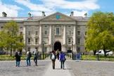 O Trinity College Dublin é uma das 100 melhores universidades do mundo. (Foto: Reprodução)