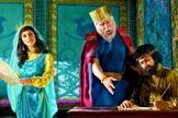 Rainha Ester. (Imagem: jw.org)