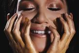 A cantora ainda lançará um quarto single. (Foto: Reprodução).