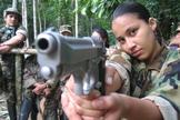 Garotas Guerrilheiras da FARC-EP, Colômbia. (Foto: Reprodução/YouTube).