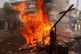 Extremistas atacam cristãos. (Foto: Reuters)