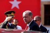O presidente turco, Recep Tayyip Erdogan, está se movendo contra as ações dos Estados Unidos. (Foto: Reuters/Harun Ukar)