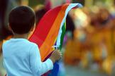 Criança participa de parada do orgulho gay, nos EUA. (Foto: BreitBart)