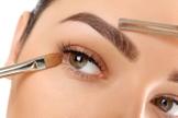 Aprenda a manter as sobrancelhas lindas e volumosas, que são a tendência da vez. (Foto: ThinkStock)