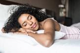 Saiba qual a posição correta para dormir melhor. (Foto: Shutterstock)