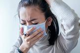 A somatização é definida como a manifestação de sintomas físicos de um problema psicológico. (Foto: Getty Images)
