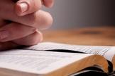Em João 3:16-17 podemos comprovar que Deus ama todas as pessoas incondicionalmente. (Foto: Getty)