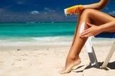 Dermatologista explica como se proteger dos raios solares e das micoses nos dias quentes. (Foto: Reprodução)