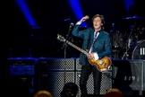 Paul McCartney se apresenta na Arena do Palmeiras em São Paulo nesta terça-feira (25). (Foto: Marcelo Brandt / G1)