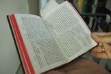 Bíblia escrita em Chinês, no acervo mantido pela SBB no Museu da Bíblia. (Foto: Guiame/Marcos Paulo Correa)