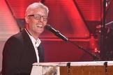 Maher é um exemplo de cantor católico que tem cativado o coração de muitos cristãos protestantes. (Foto: Reprodução).
