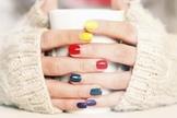 Saiba como combinar as cores dos esmaltes com o tom de sua pele. (Foto: Aleksandar Nakic/Istock)