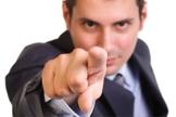 Homem apontando o dedo. (Foto: Jusbrasil)