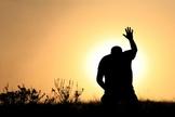 Crer que Deus suprirá nossas necessidades é uma atitude louvável e bíblica. (Foto: Tah Ligado.net)
