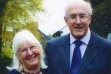 Maureen (esquerda) e seu marido, Alan (direita). (Foto: AP photo)