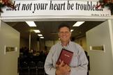 De origem judaica, Elliott Osowit decidiu entregar sua vida a Cristo e desistiu de cometer suicídio em  1996. (Foto: Facebook)