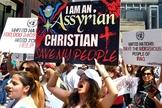 Cristãos assírios protestam contra a perseguição religiosa. (Foto: Michael Schmidt/Sun-Times)