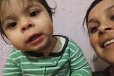 Com apenas 1 ano de idade, a pequena Maria Clara tem emocionado milhões de pessoas. (Foto: Reprodução/YouTube)