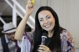 Cristina Mel tem 27 anos de carreira e está prestes a lançar seu próximo álbum para o público adulto. (Foto: Reprodução).