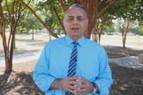 Dawood, que fugiu do Iraque durante a guerra em 1982, é diretor da World Refugee Care e pastor da Igreja Árabe de Dallas. (Foto: Reprodução).