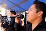 Os policiais têm usado a música para levar o amor de Jesus Cristo. (Foto: CBN News/Mundo Cristiano)