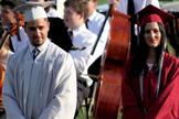Moriah (direita) teve de mudar seu discurso que foi censurado pela escola. (Foto: Reprodução).