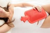 É possível interromper o ciclo menstrual e se livrar de alguns sintomas. (Foto: Reprodução)