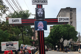 Militantes petistas realizaram um ato comparando o ex-presidente a Cristo. (Foto: Reprodução)