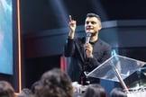 Pastor Tiago Brunet fala sobre a importância de sujeitar o destino à vontade de Deus. (Foto: Reprodução/Facebook)