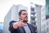 Cantor e comediante Daniel Araujo faz única apresentação em SP sobre o tema autoajuda com muito humor. (Foto: Divulgação)