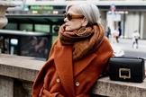 Tons terrosos são os novos coringas do guarda-roupa. (Foto: Instagram/Iconaccidental)