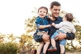 Will Vining com seus filhos. (Foto: Reprodução/Facebook)