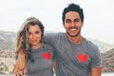 Alexa e Carlos PenaVega foram morar em Maui, junto com os filhos. (Foto: Reprodução / Instagram)