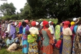 Cristãos em enterro do reverendo Alubara Audu, morto por jihadistas, no estado de Kaduna. (Foto: Reprodução / Emeka Umeagbalasi)