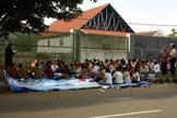 A disputa entre a igreja e a cidade tornou-se uma das negações mais conhecidas da liberdade religiosa na Indonésia. (Foto: Claire Harbage / NPR).