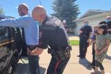 Tim Stephens, pastor da Igreja Batista Fairview, foi preso em frente aos filhos. (Foto: Rebel News)
