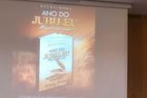 Joel Engel ministra para as pessoas durante o lançamento do projeto Ano do Jubileu, na Igreja Cristã Apostólica Shalom, em Bauru / SP (Foto: Ministério Engel)