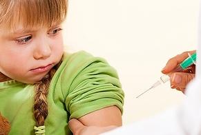 O número de crianças que recebem injeções com bloqueadores de puberdade está crescendo cada vez mais nos EUA e Reino Unido. (Foto: Getty Images)