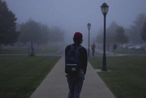 A maioria dos estudantes abandonam suas igrejas, mas acabam retornando mais tarde. (Foto: Alex Jones/Unsplash)
