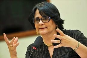 Ministra Damares Alves em audiência pública na Câmara dos Deputados. (Foto: Marcelo Camargo/Agência Brasil)