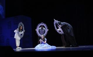 Apresentação do espetáculo 'A Árvore de Espelhos' em 2017. (Foto: Igreja da Cidade em São José dos Campos)