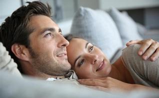 A comunicação respeitosa é fundamental para a felicidade no casamento. (Foto: Getty)