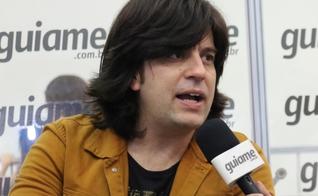 O vocalista Cláudio Moura afirmou que a banda tem o papel de evangelizar e pregar a Palavra da Cruz. (Foto: Guiame/Marcos Paulo Corrêa).