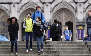 Brasileiros estão mais interessados em graduação no exterior. (Foto: Reprodução)